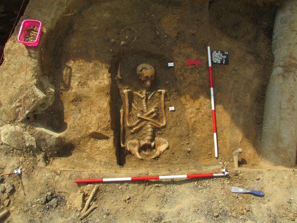 Hrob 11 odkrytý v sondě 2